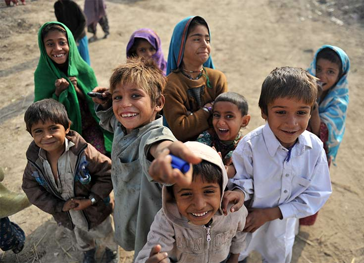 Crisis Response Journal : Count every child: Finding and registering Pakistan's invisible children